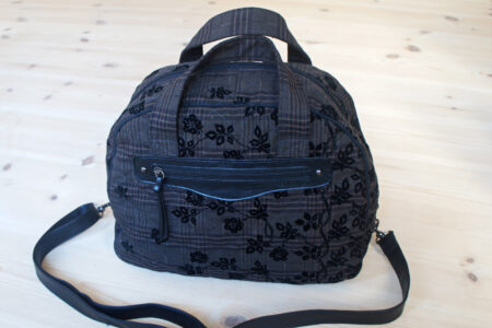Weekendtaske - brun quiltet med læderdetaljer