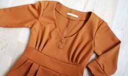 Karrygul kjole