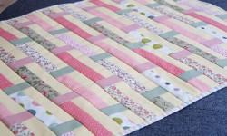 Små blomstrede striber i patchwork
