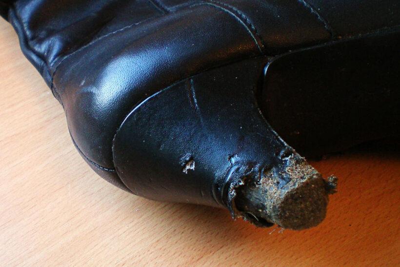 Støvlehæl repareret med glimmer