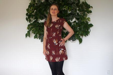 DIY makeover af mørkerød kjole