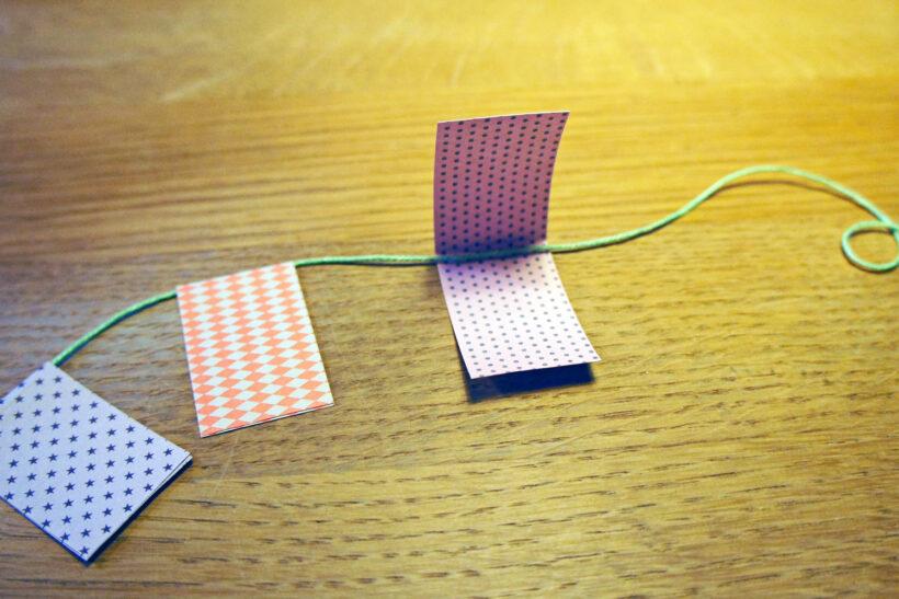 DIY julepynt: Flagranke af papirstrimler