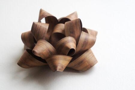 DIY julepynt: Gavesløjfe af papirstrimler