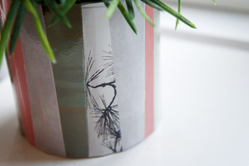Urtepotte skjuler af papir